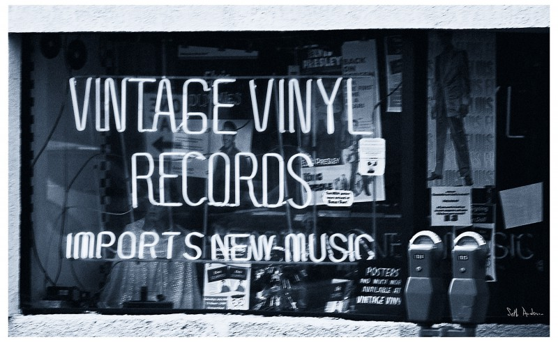Vintage vinyl records in fords new jersey for What to do with old vinyl records
